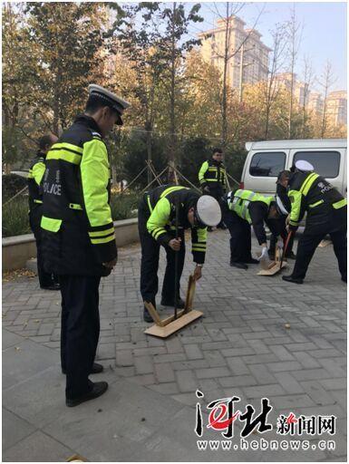 石家莊裕華交警集中整治停車秩序