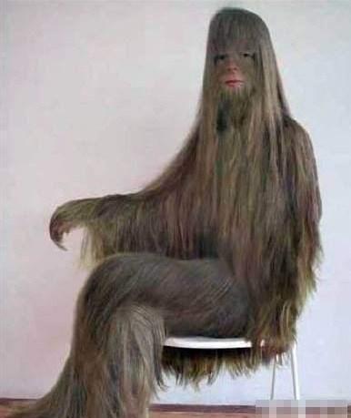 全身因返祖现象她女生是毛当剃掉毛发后让所可爱高冷女孩图片