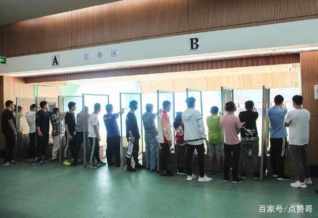 2018年中国体育弹弓重庆市射击、射箭(彩票)系附近的龙舟图片