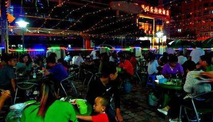承德的美景,今天给大家介绍一下承德的美食哦盘流花广州福路美食街图片