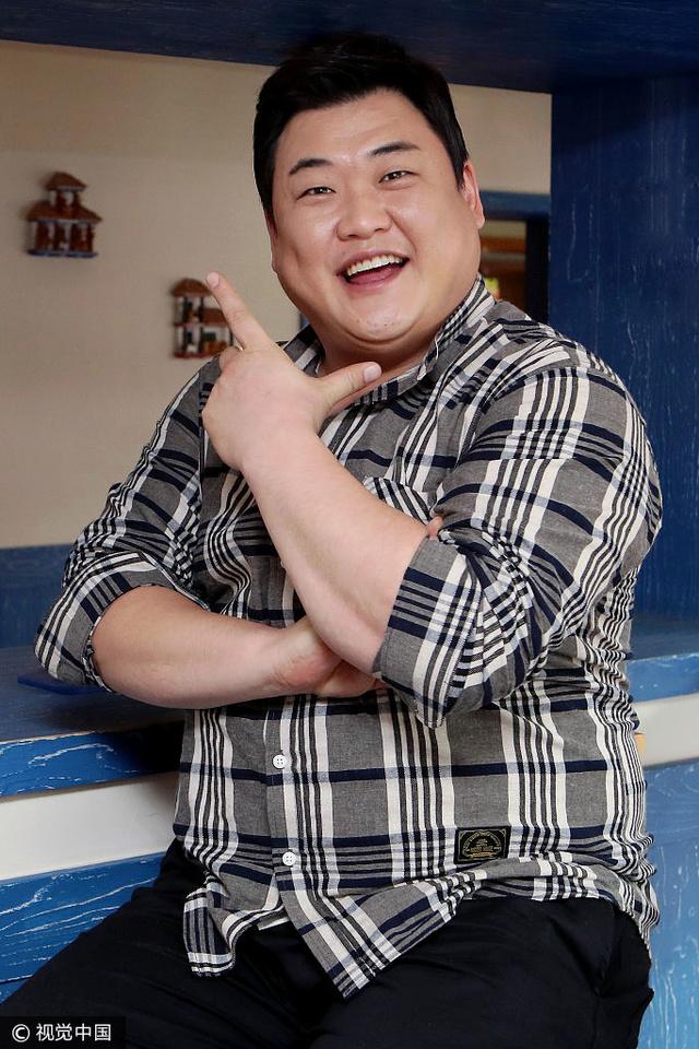 金俊贤主持清流美食特产极具说服力小胖妹ky美食节目身材图片