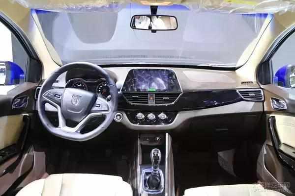 宝骏310W配置报价图片 国产神车低4万挑战7座MPV