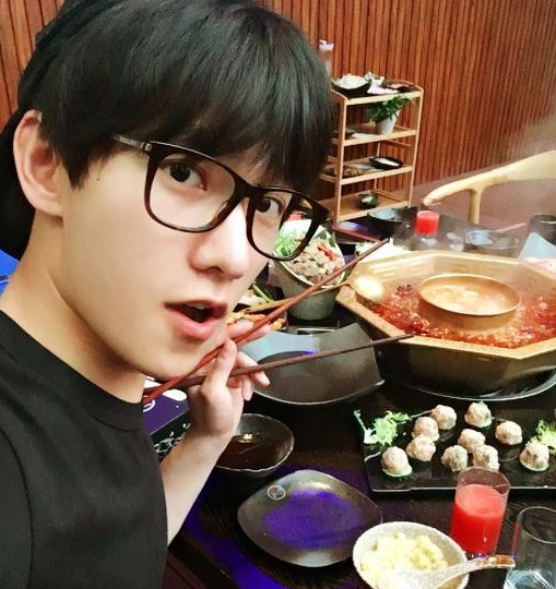 杨洋那么帅,美食那么美,连吃美食都喜欢这样晒妈妈杭州书籍图片