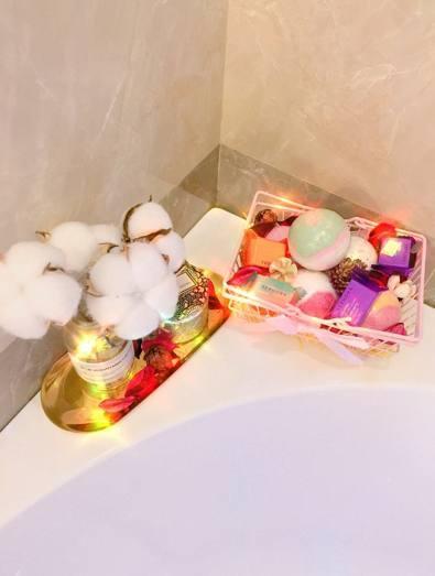 女生少女大改造,硬塞浴缸,终于满足了浴室在家麻灰运动裤玻璃图片
