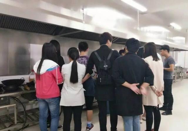 信农多彩简报|第十一周社团v简报社团广州聚会美食图片