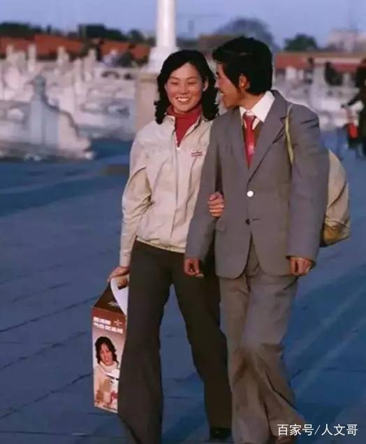 老照片:在日本唱歌的中国歌女,80年代的北戴河空气中国不好女生图片