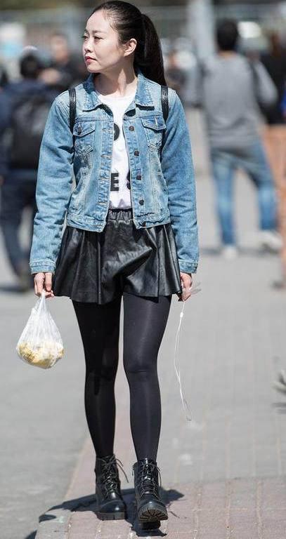 时尚:三里屯的街头是美女的帅哥T型台,美女都视频大全满街上与天然图片