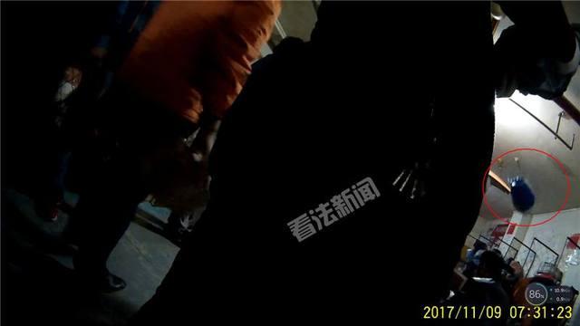暗訪申通:快遞員偷吃偷拿 有人偷玩包裹中女性成人用品