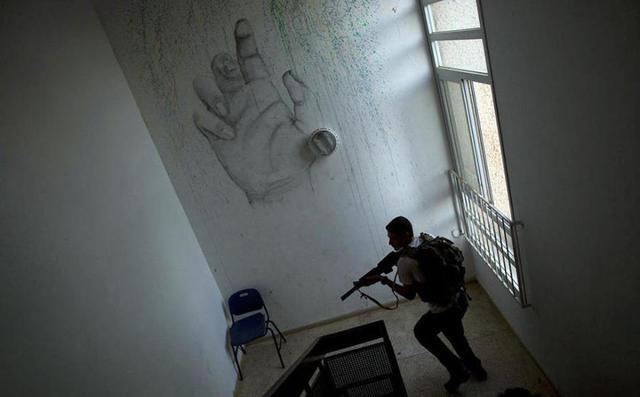 以色列高中生想象,a程度程度军训常人超乎,国内演的高中生短剧图片