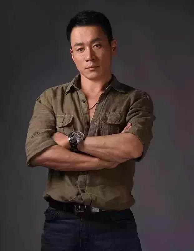 澳门金沙官网:谁说中国演员不健身?