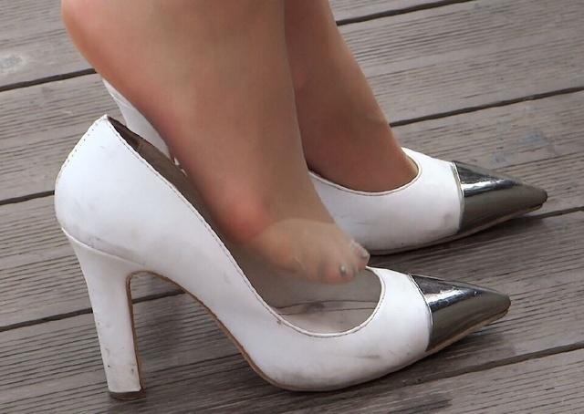 等待世界的高跟鞋美女,a世界晒美女脚丝袜主男友女图片