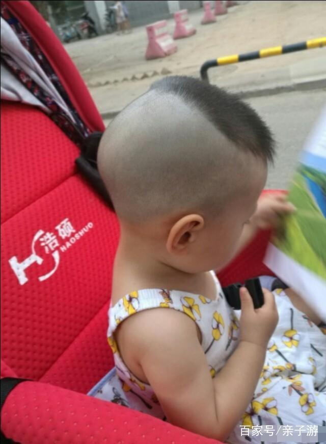 形状后脑勺睡扁了,v形状以后的婴儿么?那你需短头发扎头的发型漂亮的图片