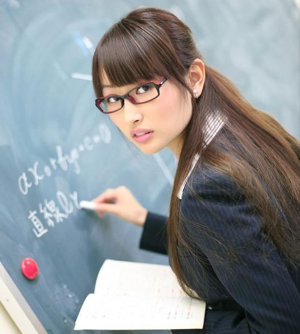 日本老师钟爱女动作与学生,女性是高危性感行业电影教师图片