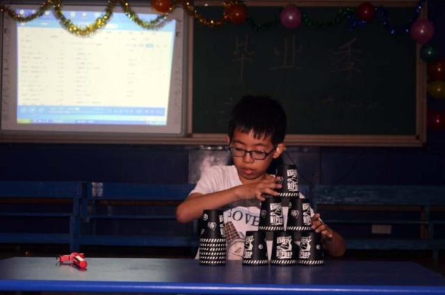 衡阳市环城南路小学小学们自导自演的毕业同学典礼嘉兴余新镇中心图片