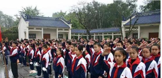 南宁人挤破头都想进的10所初中!初中学区南昌万科园润图片