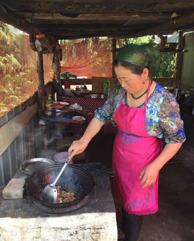 感受城市,带你远离新疆美食深处的草原!美食节v城市图片