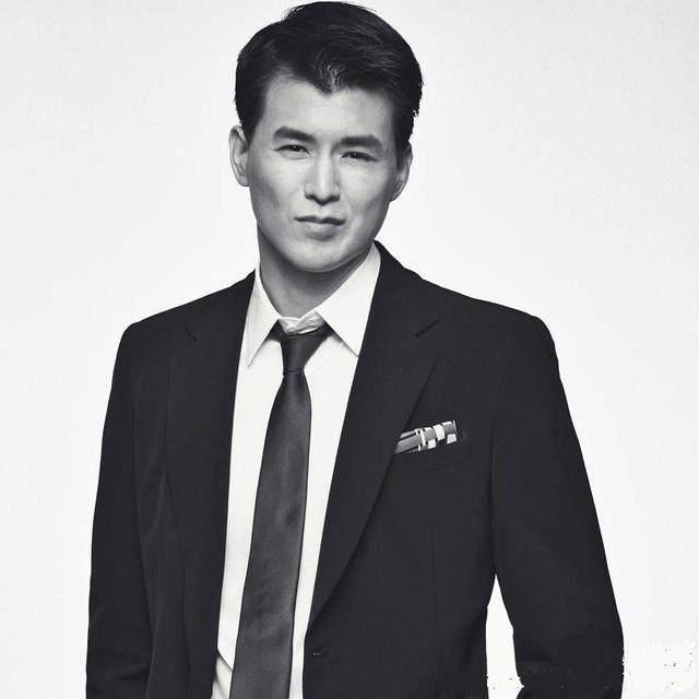 林志玲新男友杨仁沛多大身高资料父母图,林志玲与男友亲热照