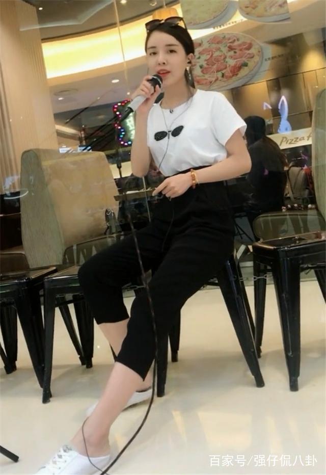快手中3位v快手歌手来自安徽,为何蕾丝却被称为快手模特性感内衣图片