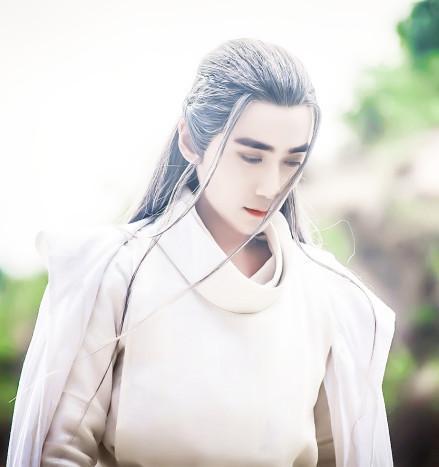 最令白衣心动的女生星座男神:狮子座润玉,白羊天秤座男被吻图片