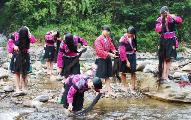 广西桂林有个村,全球女孩只剪两次头发,一生萌萌喜欢的女生图片