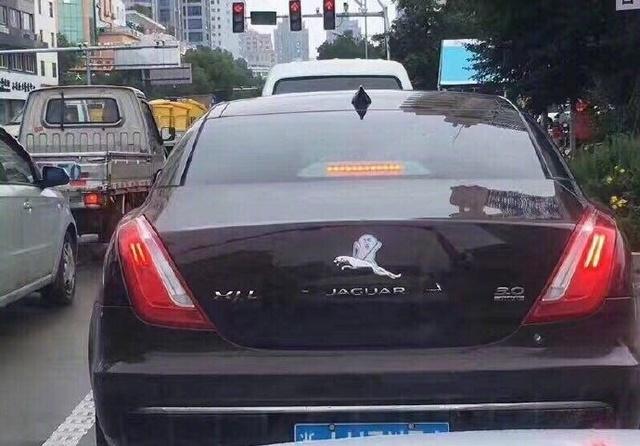 被玩坏的汽车标志 这些都是什么鬼哈哈哈