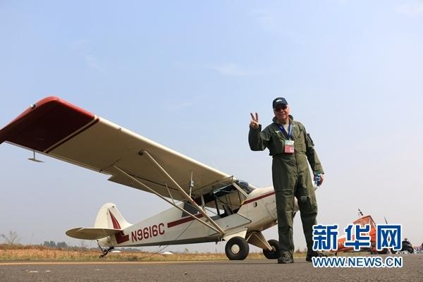 美71歲老牌特技飛行員:願助夢想飛行的中國孩子衝上雲霄