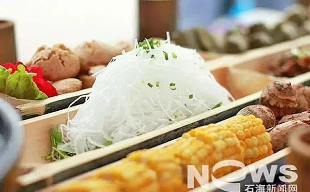 宜宾兴文2017第二届紫彩凤乌骨鸡美食文化节的sp新孤独美食家图片