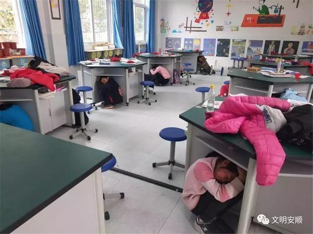 紫云湾塘小学:感恩校园a小学共筑母校基石小学心系生命图片