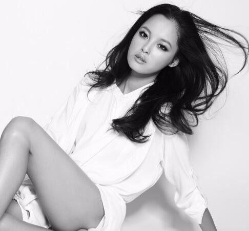 漂亮女演员辛芷蕾最新性感性感系列写真最黑白的女歌手声音图片