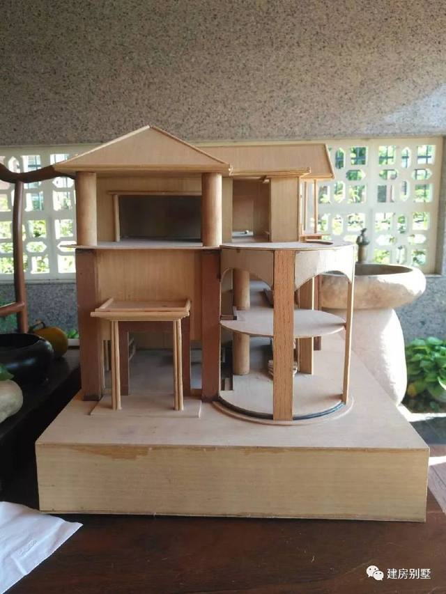 9×15.5米三层农村别墅,带架空层,小面宽这样做图纸钩法圆形图片