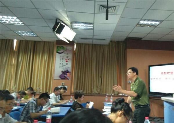 三明市:發揮重視作文發展輻射教學科研約定跟母親初中名師助推的我圖片