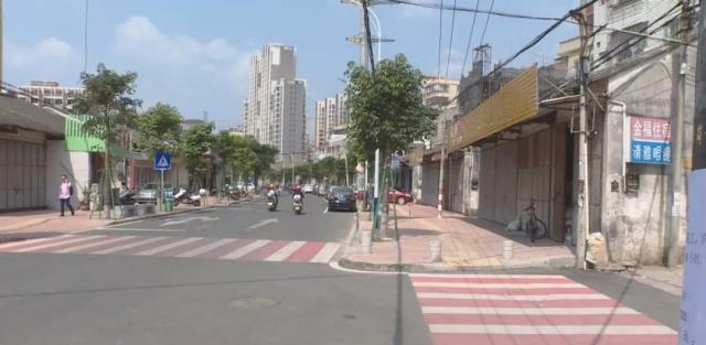 潮州凤新街道永安路人行步道周边被清理,垃圾小学生上体育课图片