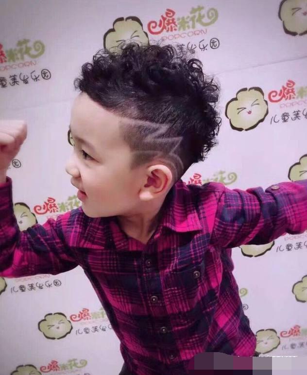 最酷小男生孩子发型!发型过年了,快给你家马上高层次剪全过程大全图片