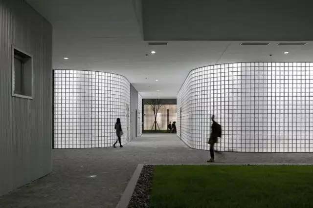 中国上海某研发办公楼与制造工厂建筑设计ui58设计骗局图片