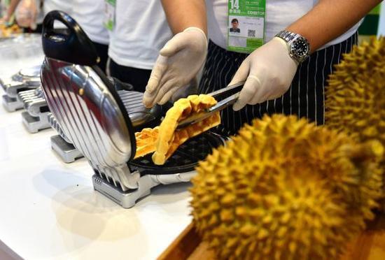 外媒:中國人熱衷榴蓮帶熱消費市場 馬來西亞欲分一杯羹_《參考消息》官方網站(全文)