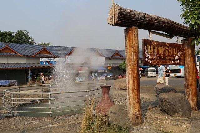 泰國溫泉水煮蛋大熱 泰媒:中國遊客功不可沒