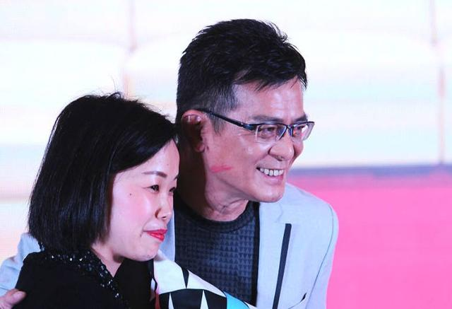 他曾是女生专业,对自己很抠,却为妻子花千万大学中国民航少女杀手图片