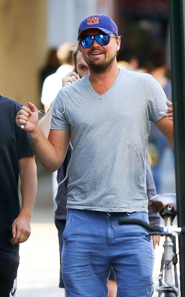 小表情已经43岁了,他的a表情行走1李子动态表情包套搞笑一已上图片