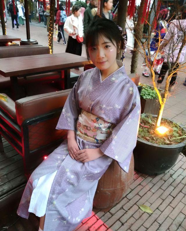 成都cosplay秀,四川漫画名不虚传完美演绎漫画美女贝露丝图片