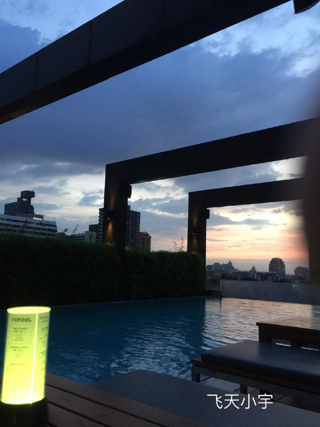 曼谷美食之旅,一天吃多!万美食城丰图片