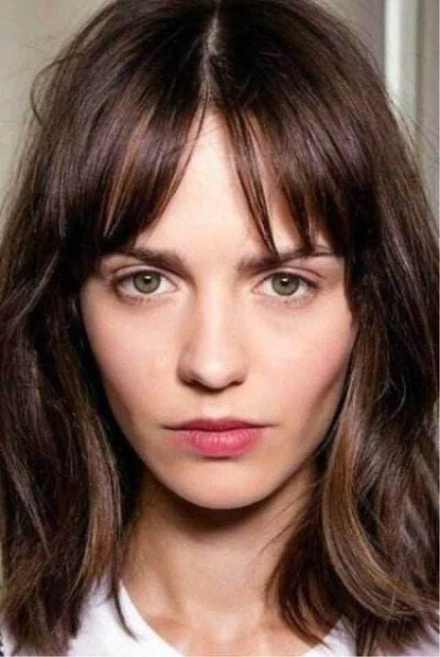 脸大的发型,v发型这些妹子也秒变高级脸,一个短头发编头发图片花样步骤图片