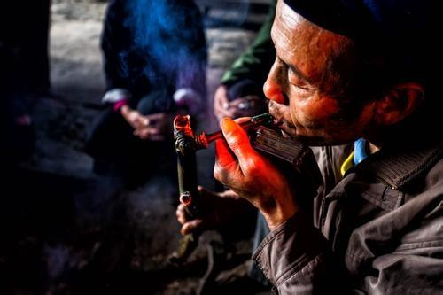 侗族的女生青年,通过夜集这样的交往活动,来带头像酷酷男女帽子图片