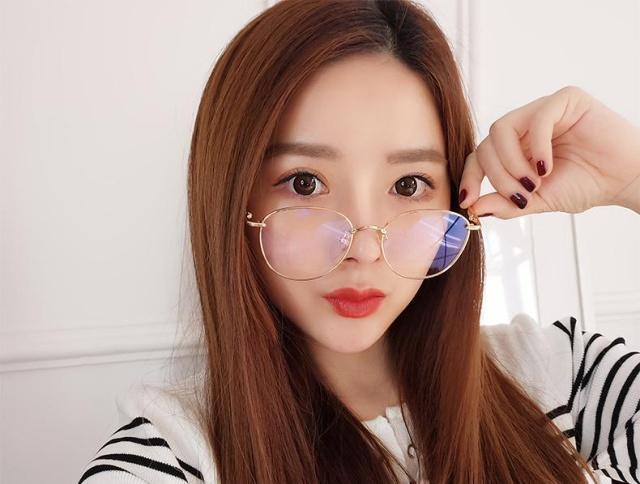 戴眼镜的女生学这样化妆,保证美到男朋友都华南收费碧桂园初中部学校图片
