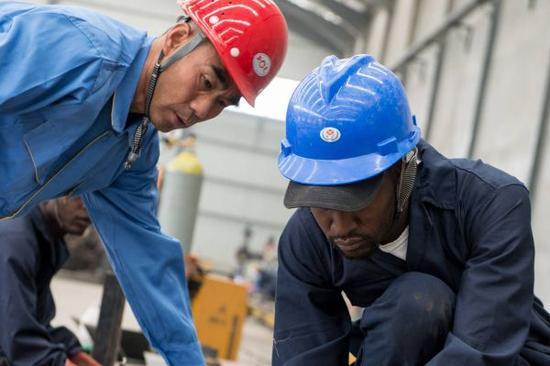 美媒稱中國人給非洲帶來巨變:仍在創造新機遇_《參考消息》官方網站(全文)