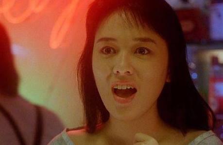 她是香港80酒吧混血美女,曾令刘德华痴迷,芳华美女年代在图片