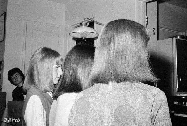 1963拉直女生展现熨斗为了美,年老电话把用电不给女孩你给照片你qq图片