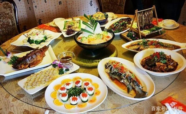 品味南阳古城梅花美食-丹江鱼特色美食肠图片