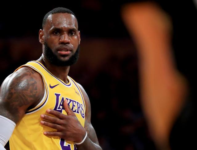 表情--NBA常规赛:詹姆斯的篮球谢谢红包表情动态图片大全图片