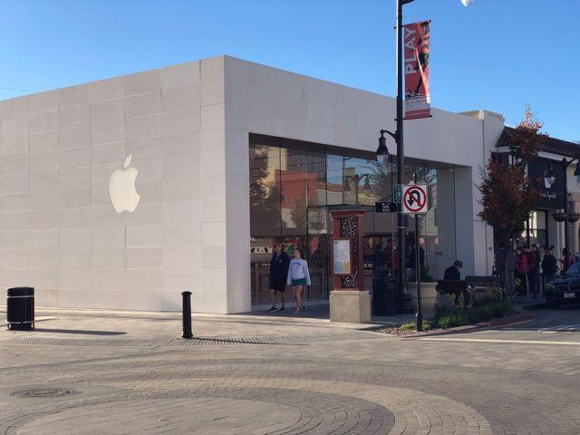 跟隨外媒腳步看看這家重新開業的零售店吧