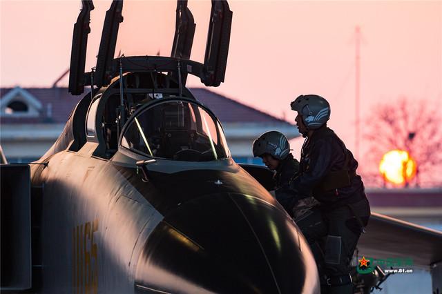 走進空軍人的戰鬥陣地 感受光影之美